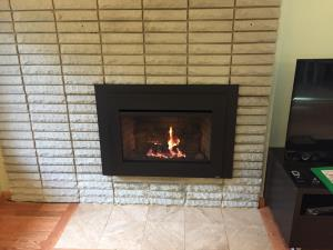 Travis Radiant Large Gas Insert With Times Square Face And Brick Fireback
